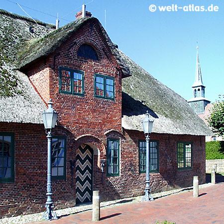 Heimat-Museum und Kirchturm in St. Peter-Ording, im Dorf, Olsdorfer Str.