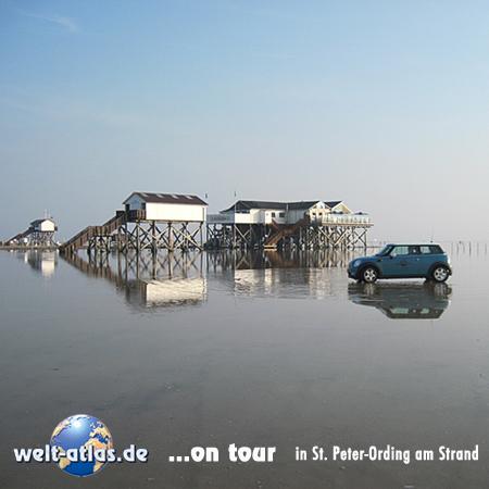 welt-atlas ON TOUR mit Mini in St.-Peter-Ording, Restaurantpfahlbau Seekiste am Strand von Böhl - 2011 - die Pfahlbauten feiern 100-jährigen Geburtstag