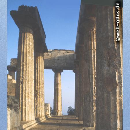 Im Aphaiatempel auf Aegina
