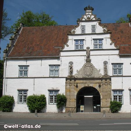 Torhaus des Schlosses vor Husum,Stormstadt in Nordfriesland