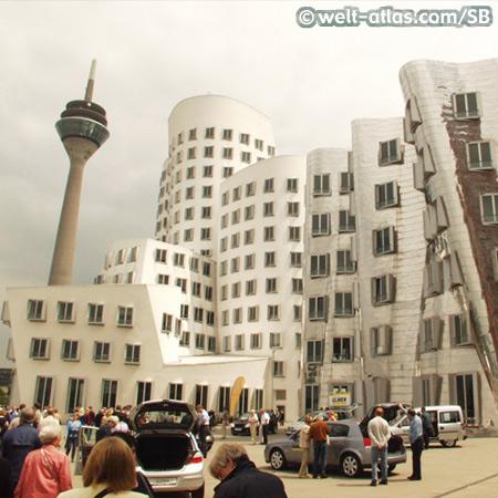 Neuer Zollhof, Frank Gehry Bau, Düsseldorf, Medienhafen