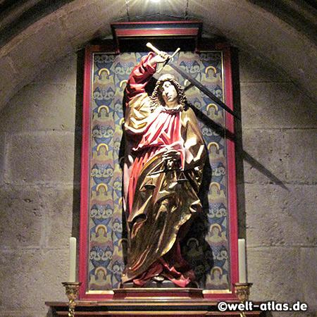 Seitenaltar mit dem Erzengel Michael im Regensburger Dom