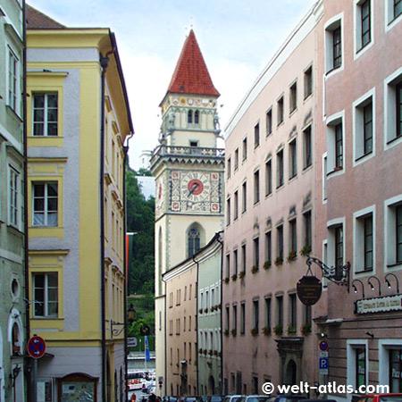 Altes Rathaus, 14. Jh., in der Dreiflüssestadt Passau am Donauufer
