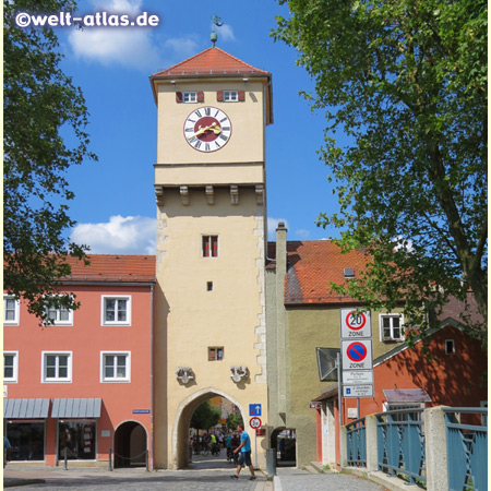 Donautor in Kelheim, eines der Stadttore am Eingang zur Kelheimer Altstadt