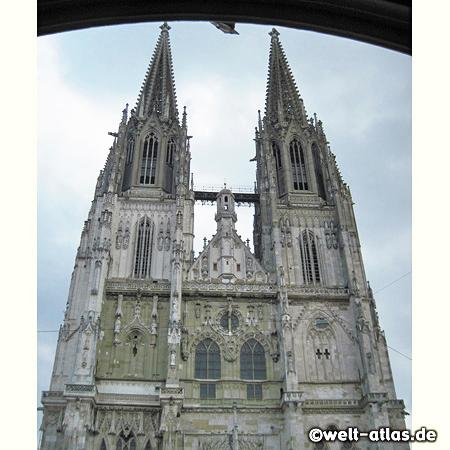 Türme des Regensburger Doms, Wahrzeichen der Stadt