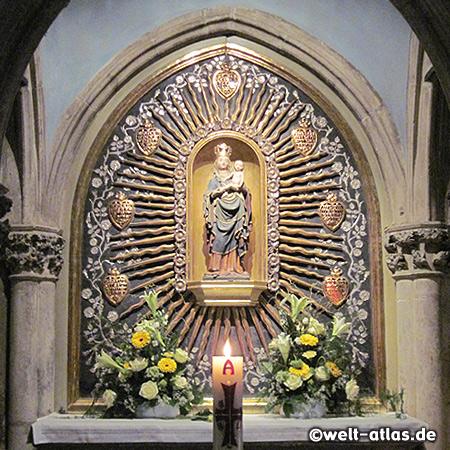Ankündigungs-Altar, südliches Seitenschiff im Regensburger Dom