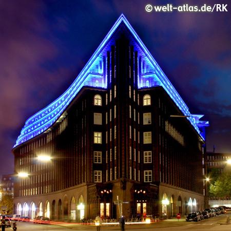 Zum ersten Mal ist das Hamburger Chilehaus beim Lichtkunst-Projekt BLUE PORT HAMBURG dabei. UNESCO-Weltkulturerbestätte: Speicherstadt und Kontorhausviertel