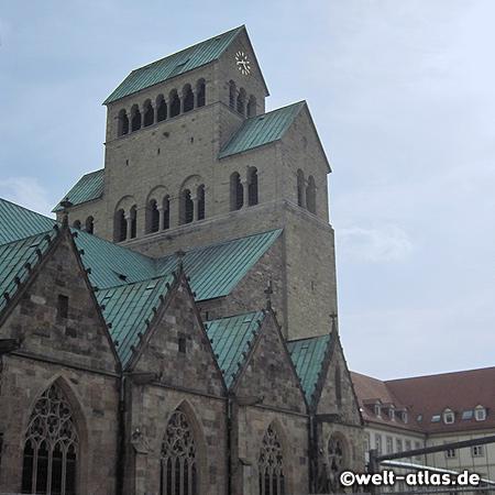 Der Hildesheimer Dom St. Mariä Himmelfahrt gehört zum Weltkulturerbe der UNESCO