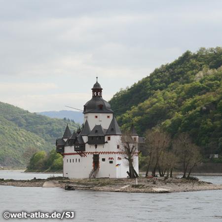 Die Burg Pfalzgrafenstein auf einer Insel im Rhein bei Kaub, UNESCO Weltnaturerbe