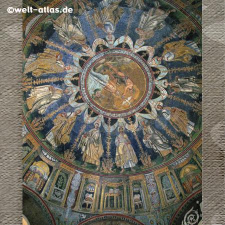 Kuppel im Mausoleo Galla Placida, Ravenna, UNESCO-Welterbe
