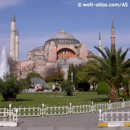 Die Hagia Sofia im Stadtteil Sultanahmet