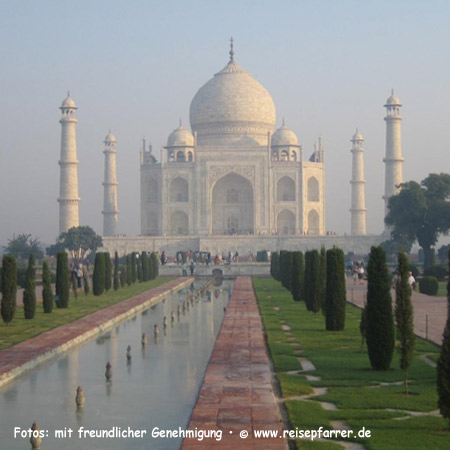 Morgenstimmung am Taj Mahal, Mausoleum in Agra, Traum in Marmor, UNESCO-Weltkulturerbe