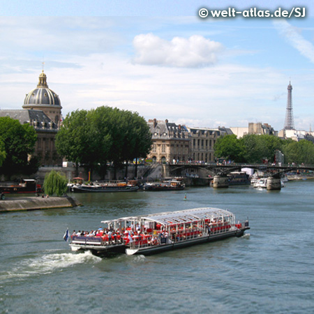 Die Ufer der Seine in Paris gehören zum UNESCO-Welterbe, Kuppel der Académie française, der Brücke Pont des Arts und dem Eiffelturm im Hintergrund