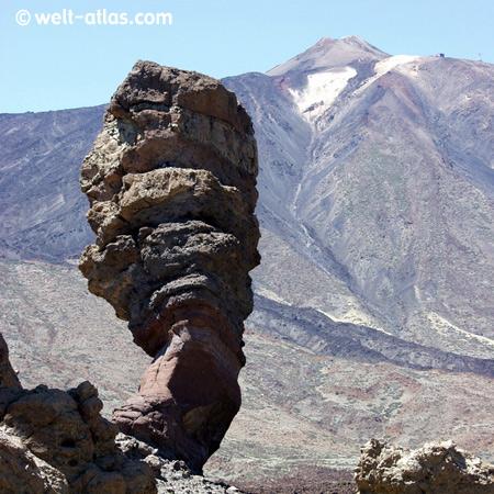 Bizarre Felsformation im Teide Nationalpark auf Teneriffa, UNESCO Welterbe