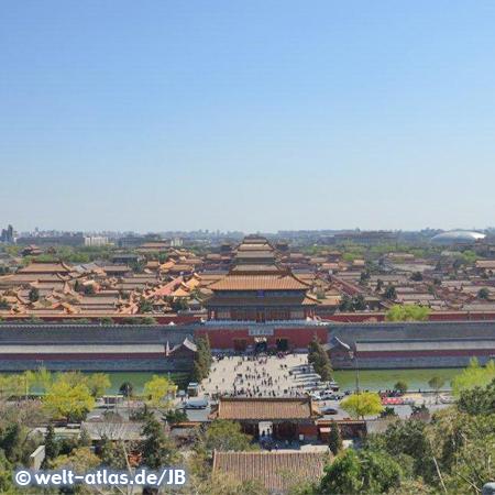 Blick vom Jingshan-Hügel auf die die Dächer der Verbotene Stadt (UNESCO Welterbe)