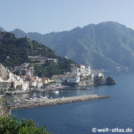Blick auf Amalfi, Amalfitana