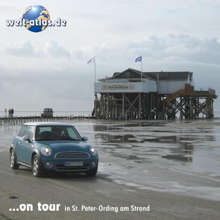welt-atlas ON TOUR mit Mini in St.-Peter-Ording, Restaurantpfahlbau Seekiste am Strand von Böhl, 2011 - die Pfahlbauten feiern 100-jährigen Geburtstag