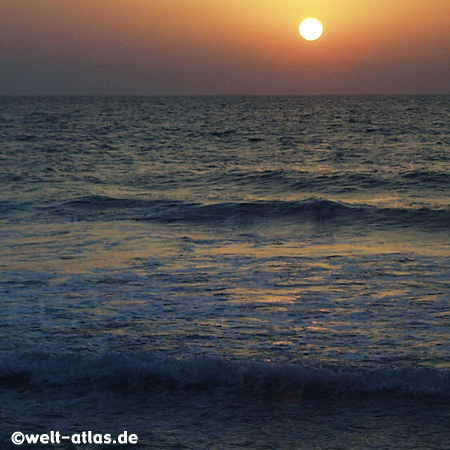 Sonnenuntergang am Jumeirah Beach,Dubai, VAE,  Vereinigte Arabische Emirate am Persischer Golf