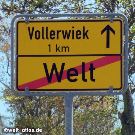 Das Ortsschild von Welt auf der Halbinsel Eiderstedt, nicht das Ende der Welt