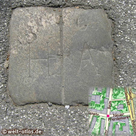 Old border stone near Neuer Pferdemarkt