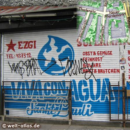 """Bei Obst & Gemüse EZGI iin der Wohlwillstr. kann man nach Ladenschluss die Jalousie mit """"Viva Con Agua""""  de Sankt Pauli sehen"""