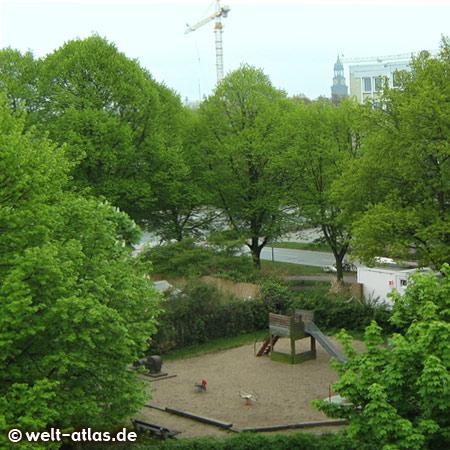 """playground at """"Neuer Pferdemarkt"""""""