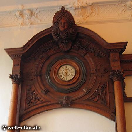 Clock in the bok restaurant. Schulterblatt 3 Hamburg St. Pauli Deutschland