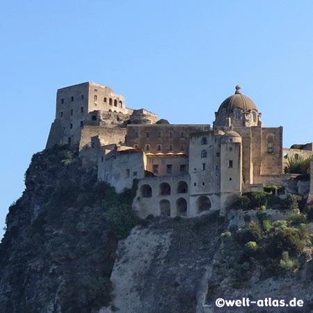 Castello Aragonese, Isola del Borgo Antico in Ischia Ponte