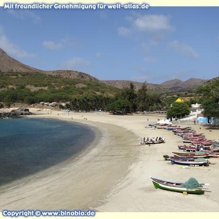Praia do Tarrafal, der schöne Strand von Tarrafal auf der Insel Santiago, Kapverden – Fotos: Reisebericht Kapverden, kapverden.binobio.de