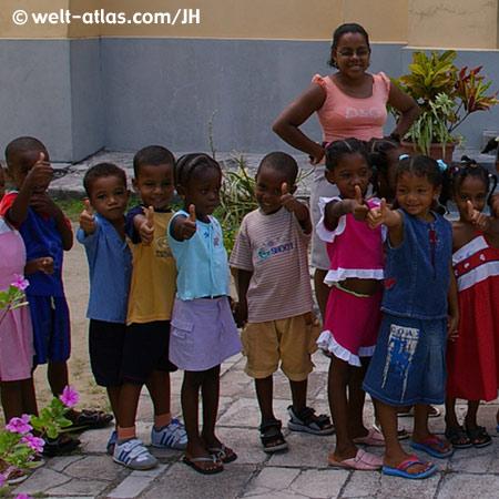 Kinder auf den Seychellen