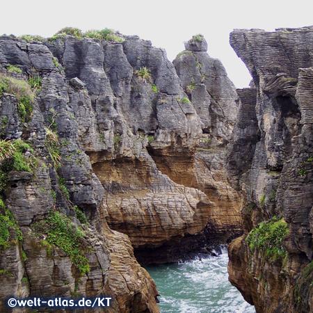 Pancake Rocks bei Punakaiki. Bizarre Felsformationen aus Limestone