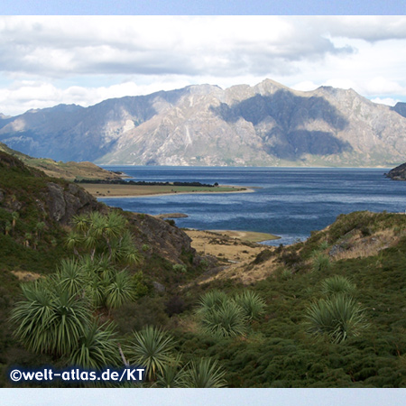 Lake Hawea, popular and used for fishing and swimming