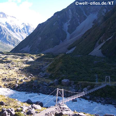 Hooker Valley Track, in Mount Cook National Park