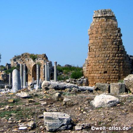 Ruinen von Perge, antike pamphylische Stadt in der Nähe von Antalya