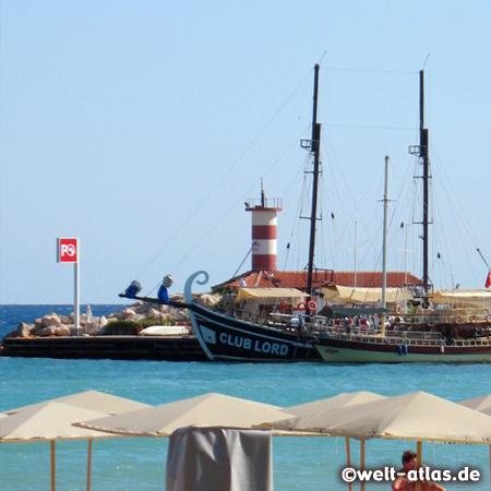 Leuchtturm im Hafen von Kemer