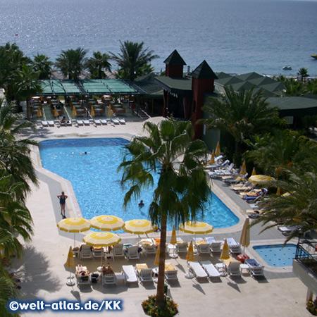 Pool im Galeri Resort Hotel, Okurcalar liegt zwischen Alanya und Manavgat an der Türkischen Riviera