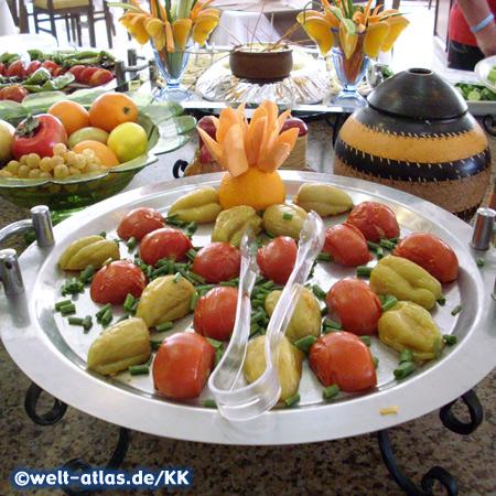Buffet im Galeri Resort Hotel, Okurcalar liegt zwischen Alanya und Manavgat an der Türkischen Riviera