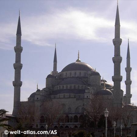 Die Sultan Ahmet Moschee wird auch Blaue Moschee genannt.