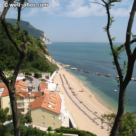 Strand von Numana, Riviera del Conero, Marken, Italienische Adria, Italien