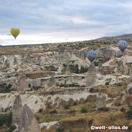 Heissluftballons über dem Göreme-Tal