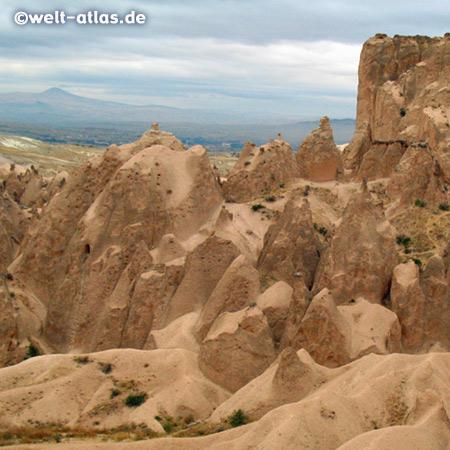 Kizilcukur, Rotes Tal, der Berg Erciyes im Hintergrund