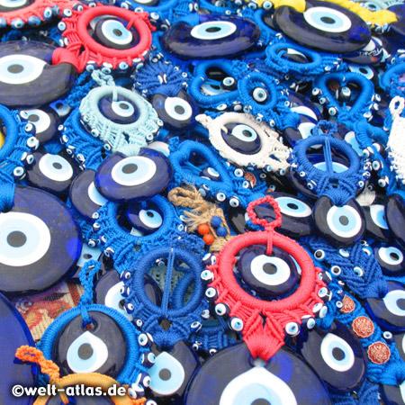 """Die Blauen Augen schützen gegen den """"Bösen Blick"""""""