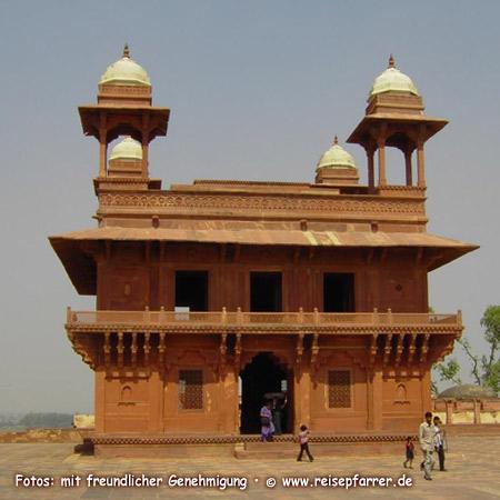 Audienzhalle in Fathepur Sikri, Stadt bei Agra, IndienFoto:© www.reisepfarrer.de