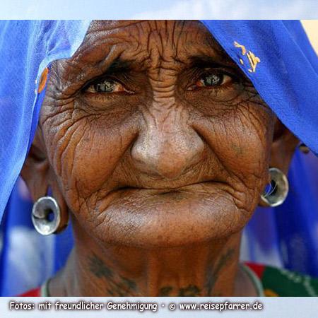 Alte Frau in Pushkar, RajasthanFoto:© www.reisepfarrer.de