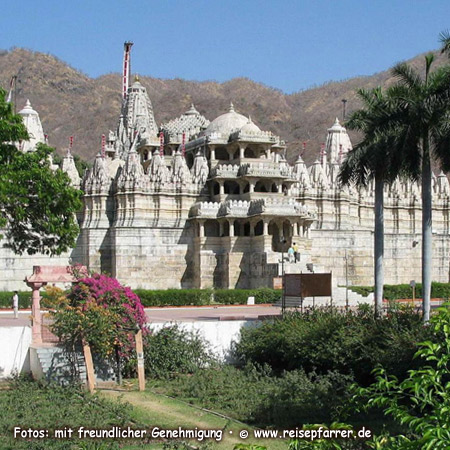 Jain temple at Ranakpur, north of Udaipur, RajasthanFoto:© www.reisepfarrer.de