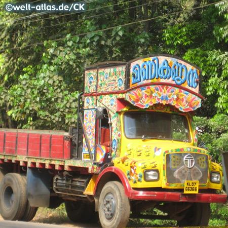 Farbenfroher LKW, Indien