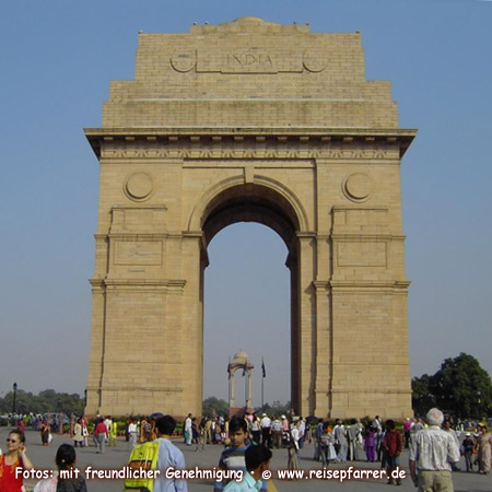 The India Gate, war memorial in New Delhi Foto:© www.reisepfarrer.de