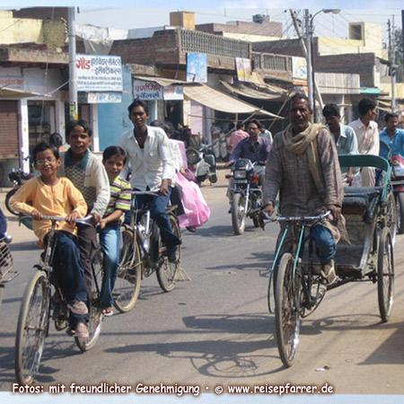 Verkehrsgewimmel in Jaipur, Hauptstadt von Rajasthan, IndienFoto:© www.reisepfarrer.de