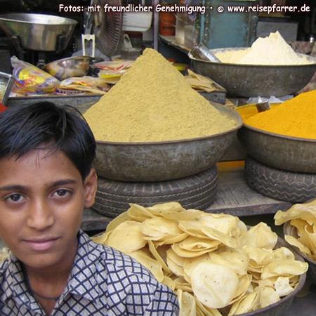 Gewürze auf dem Markt in JodhpurFoto:© www.reisepfarrer.de