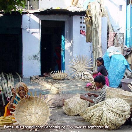 Korbmacher in Udaipur, Rajasthan.Foto:© www.reisepfarrer.de